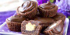 Suklaasuukkoset Brownie Cupcakes, A Food, Muffins, Breakfast, Desserts, Buns, Brownies, Morning Coffee, Tailgate Desserts