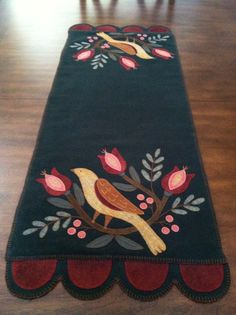 bird on a branch table runner