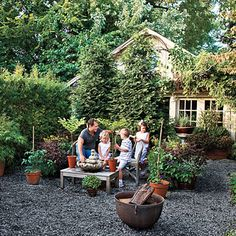 Graveled Courtyard - Rather than removing an unused asphalt driveway on the side of the house, cover it with a thin layer mixed pea and crushed gravel. NO BRAIN TO MAINTAIN! Garden Beds, Home And Garden, Crushed Gravel, Gravel Landscaping, Landscaping Design, Asphalt Driveway, Outside Patio, Pea Gravel, Backyard Makeover