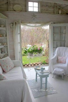 White Cottage Shabby Chic Cottage Cozy Cottage Shabby Chic Homes Cottage Homes