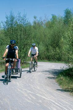 La TransTerrebonne sillonne le territoire sur près de 25 km qui s'intègrent aux quelque 100 km de réseau cyclable urbain que compte la municipalité. Conçue et aménagée autant pour les amateurs de vélo, de marche, de raquette ou de ski de fond, la TransTerrebonne, c'est véritablement la nature en pleine  ville.