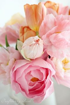Crepe Peony Tutorial - these paper flowers are so realitisic!