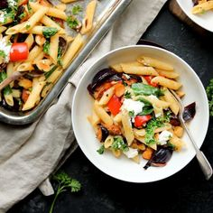 Warming and easy to make this vibrant Cauliflower and Chickpea Curry is packed with flavour. Perfect for a tasty weeknight dinner. Roasted Vegetable Pasta, Roasted Vegetables, Vegetable Pizza, Cauliflower And Chickpea Curry, Mushroom Curry, Spinach, Vegan Recipes, Stuffed Mushrooms, Tasty