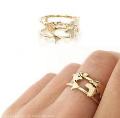 World map ring - 14 carat gold Wedding Band Sets, Wedding Rings, Gold Wedding, Cute Jewelry, Jewelry Accessories, Xenia, Carat Gold, Ring Verlobung, Anniversary Rings