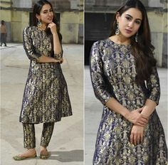 Silk Kurti Designs, Kurta Designs Women, Kurti Designs Party Wear, Churidar Designs, Dress Designs, Ladies Suits Indian, Indian Attire, Indian Outfits, Pakistani Fancy Dresses