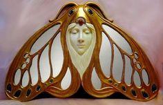 Art Nouveau Lady Moth Hanging Mirror by angelia Mobiliário Art Nouveau, Design Art Nouveau, Bijoux Art Nouveau, Art Nouveau Jewelry, Belle Epoque, Arte Art Deco, Muebles Art Deco, Arte Fashion, Jugendstil Design