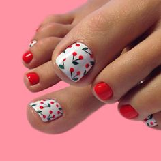 Summer is on its way; that means you will most likely be wearing sandals or flip-flops or running around in bare feet.Check out these summer toe nail designs and get inspired to create your very own, unique pedicure! Simple Toe Nails, Pretty Toe Nails, Cute Toe Nails, Summer Toe Nails, Cute Summer Nails, Pretty Toes, Spring Nails, Pedicure Summer, Summer Pedicure Designs