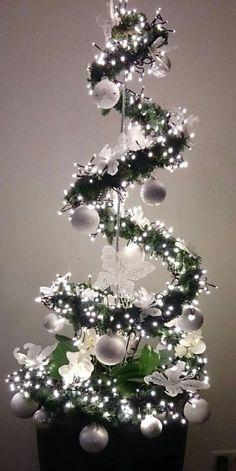 The Christmas tree, hung # DIY # Christmas # Table decoration Christmas D . Outdoor Christmas, Simple Christmas, Christmas Art, Christmas Projects, Christmas Holidays, Christmas Wreaths, Christmas Ornaments, Hanging Christmas Tree, Xmas Tree
