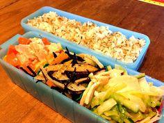 スモークチキンの棒棒鶏風 じゃがいもとひじきのピリ辛煮 いかこんぶ混ぜご飯 - 5件のもぐもぐ - ポトフ弁当 by kunikichi