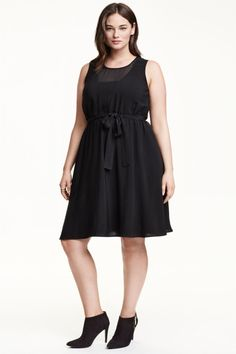 L abbigliamento elegante per taglie forti  la moda curvy è chic Moda Curvy dc37a6ef06e