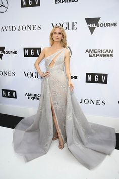 Poppy Delevingne One Shoulder Dress - Poppy Delevingne looked phenomenal in an embellished gray one-shoulder gown by Paolo Sebastian Couture at the NGV Gala Poppy Delevingne, Natalie Portman, Paolo Sebastian, One Shoulder Gown, Evening Sandals, White Carpet, Hollywood, Silver Dress, Red Carpet Fashion