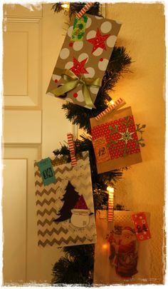 Tanja von www.creativtanteblogspot.com schickte uns ein Foto von toll gescrappten Adventsumschlägen, bzw. -Tüten.