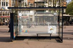 Awesome Ambient, guerrilla and interactive advertising campaigns Funny Commercials, Funny Ads, Street Marketing, Guerilla Marketing, Creative Advertising, Advertising Design, Ads Creative, Advertising Poster, Advertising Campaign