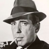 Celebrity Actors Smoking Part V Here we have the fifth part of selected pictures with Hollywood Famous Actors smoking cigarettes. Humphrey Bogart, Classic Movie Stars, Classic Movies, Vintage Hollywood, Classic Hollywood, Hollywood Actor, Bogie And Bacall, The Big Sleep, Cinema Tv