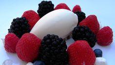 Bombones Helados de Yogurt, Receta Práctica. Más información en: http://www.remediocaseronatural.com/recetas-practicas-bombones-helados-yogurt.htm