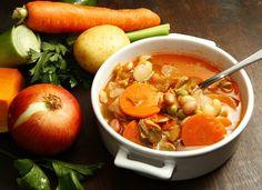 Veja receitas de sopas para esquentar as crianças no frio