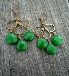 Boucles doreilles en jade verte émeraude par Littlewomenbusiness, €29.00