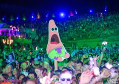 Take A Look At These Ridiculous Festival Totems - Sherpa Land Bonnaroo Music Festival, Music Festival Outfits, Rave Festival, Festival Looks, Festival Fashion, Music Festivals, Festival Style, Techno, Cute Concert Outfits