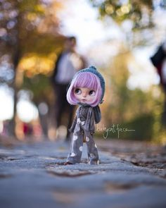 """Oh, oh! Where's mummy? Where are my sisters? Maybe I spent too much time staring at the ducks 😭"" •••••••••••••• ""Oh oh! Dónde está mami? Dónde están mis hermanas? Quizá he pasado demasiado tiempo mirando a los patos 😭"" #babycatfacedollies #blythe #retiro #parquedelretiro #retiromadrid #madrid #igersmadrid #fall #park #autumn #sunset #blythestagram #blythedoll #customblythe #customblythedoll #doll #dollphotography #instadoll #instablythe #instatoy #toy #toyphotography #toyslagram #toyunion…"