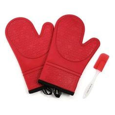 Oven mitts Red Ovens, White Table Top, Barbecue Grill, Barbecue Sauce, Oven Glove, Tabletop Accessories, Good Grips, Jar Lids, Insulation