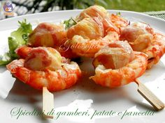 Spiedini di gamberi, patate e pancetta, buonissimo secondo piatto gustoso e completo!