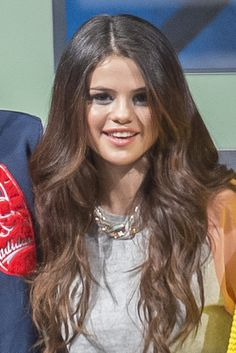 Selena Gomez's Beachy Waves: How To Get Her Sexy Look