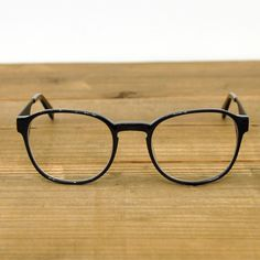 1714d893bf57 Moscot Spirit Henry. Got to find something similar.