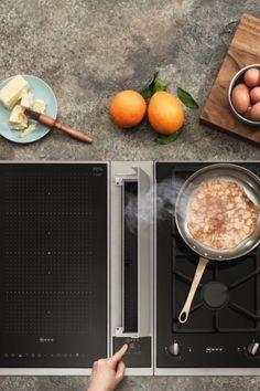 Kochen soll schnell und einfach funktionieren – deshalb lässt sich die gewünschte Leistungsstufe des NEFF Kochfeldabzugs per TouchControl einstellen.