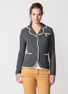 Elegant yet sporty jacket.