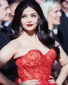 Aishwarya Rai in red dress attends the screening during the annual Cannes Film Festival at Palais des Festivals on May 2017 in Cannes, France Aishwarya Rai Images, Actress Aishwarya Rai, Aishwarya Rai Bachchan, Bollywood Actress, Indian Bollywood, Bollywood Stars, Beautiful Indian Actress, Beautiful Actresses, Most Beautiful Women