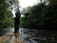 Bamboo Rafting in Loksado, South Borneo  http://www.panduaji.net/2016/08/bertualang-dengan-rakit-bambu-di-sungai.html