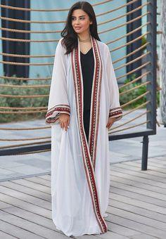 شهد الجميلي Abaya Fashion, Muslim Fashion, Kimono Fashion, 70s Fashion, Modest Fashion, African Fashion, Fashion Dresses, Fashion Art, Winter Fashion