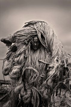 from photo series of the Bangladesh jute industry // by Bangladeshi photographer Munem Wasif