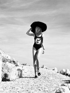 """O luxo chic do paradisíaco """"Saint Jean Cap Ferrat"""" é matéria da Vogue Paris"""