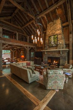 beautiful rustic home. Timber frame barn house showcases inviting interiors in North Carolina. (Image Courtesy of RMT Architects) Rustic Home Design, Vintage Interior Design, Cabin Design, House Design, Log Home Interiors, Timber Frame Homes, Timber Frames, North Carolina, Log Cabin Homes