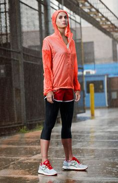 this would be perfect for rainy runs. definitely on the wish list.