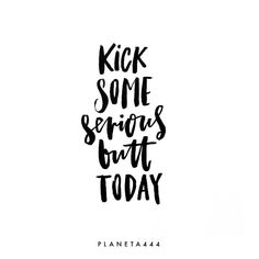 """""""Mi piace"""": 4, commenti: 1 - M  a  g  g  i  e (@planeta444) su Instagram: """"It's Friday! Yay! Why not close this week in a kick-ass way? Like even more kick-ass than the whole…"""""""