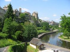 Long term rental to let in Uzerche, France : Pretty townhouse for persons in the centre of the historic town of Uzerche French Property, Limousin, Property For Rent, Townhouse, Centre, France, Let It Be, Mansions, House Styles