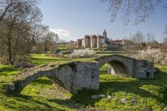 Tout n'y est que paysages déprimants et châteaux chiants. | 28 raisons de ne jamais aller à Saint-Etienne