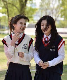 Check out Black Velvet @ Iomoio Wendy Red Velvet, Red Velvet Irene, Green Velvet, Black Velvet, Seulgi, South Korean Girls, Korean Girl Groups, Otp, Violet Hair