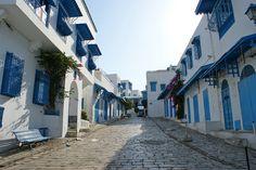 Une grande partie de la magie des médinas en Tunisie tient au plaisir de s'y perdre, dans un dédale de ruelles semblant échapper à toute logique. Alors, faites fi de votre sens de l'orientation et du prévisible et partez à l'aventure grâce à notre sélection des plus belles photos de ruelles tunisiennes. On remercie en …