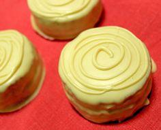 Pão de mel de chocolate branco com recheio de limão