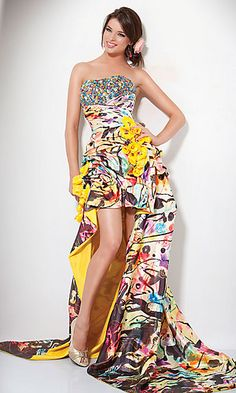 I would soo wear thisss. Its glittery and crazyy and colorful! I wish the underside was turquoise instead of yellow tho :)