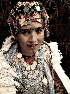 Africa   Morocco Vintage Postcard - Berber Woman from the South, c 1950s