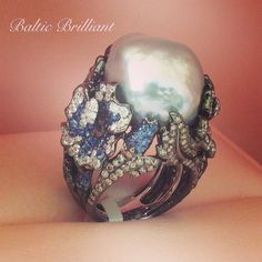 Marvelous Big Ring in 18K Gold with Diamonds and color stones #balticbrilliant #ring #diamond #gem #pearl