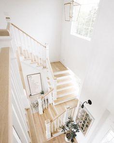 Ideas farmhouse stairs dream houses for 2019 Home Stairs Design, Interior Stairs, Dream Home Design, House Design, Farmhouse Stairs, Farmhouse Bedroom Decor, Coastal Farmhouse, Foyers, Stairs Colours