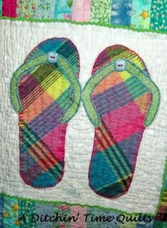 7ee7b6d897b9c9 flip flop quilt square....Bet my Aunt Betsy could make this for