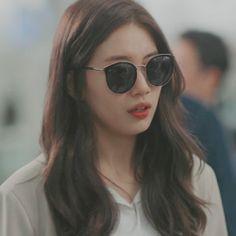 Korean Actresses, Korean Actors, Actors & Actresses, Instyle Magazine, Cosmopolitan Magazine, Sea Wallpaper, Miss A Suzy, Ahn Jae Hyun, Pretty Korean Girls