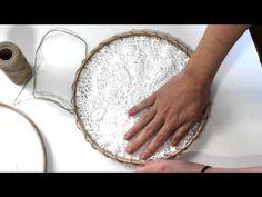 Make a Dream Catcher - Tutoriels et 70 jolies photos - Dreams Catcher, Yarn Wall Art, Alton Brown, Boho Diy, Crochet Videos, Wind Chimes, Diy And Crafts, Chips, Micro Macramé