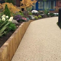 Our range of residential resin bound paving products are ideal for domestic use. Transform your driveway, patio, pathway & swimming pool today. Resin Driveway, Resin Patio, Diy Driveway, Driveway Design, Front Garden Ideas Driveway, Driveway Landscaping, Steep Gardens, Front Gardens, Gravel Garden